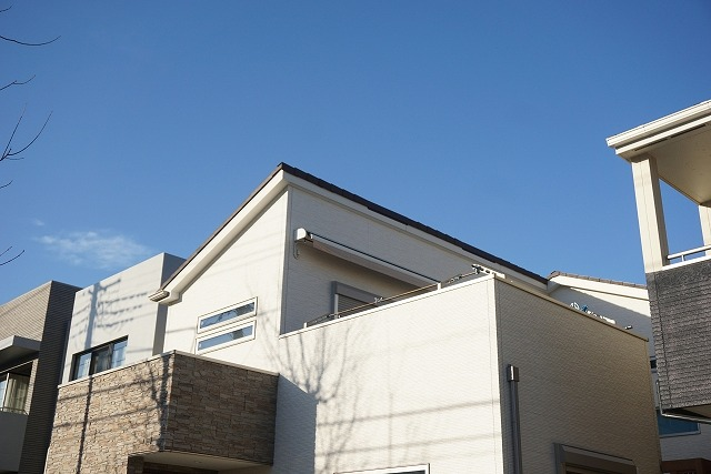 片流れ屋根の既存住宅写真