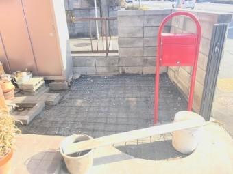 玄関横の土間打ち工事